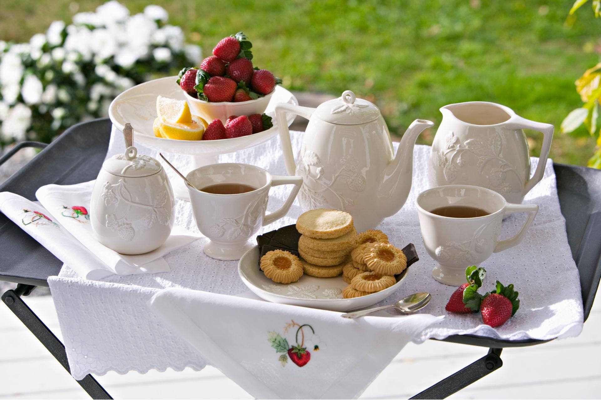 """Galateo del tè: come rispettare la """"tea etiquette"""""""