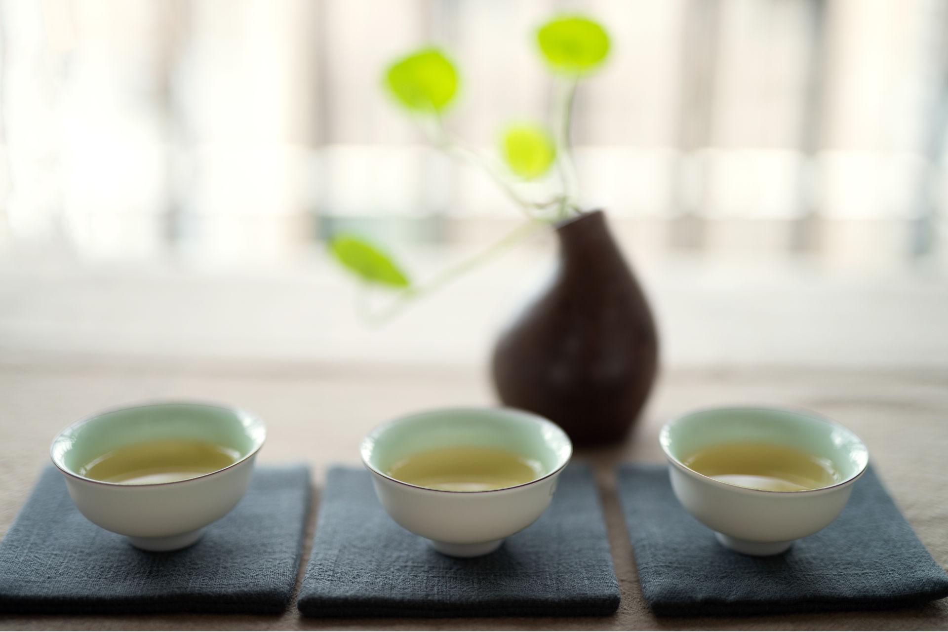 La tazza cinese: come si usa il gaiwan